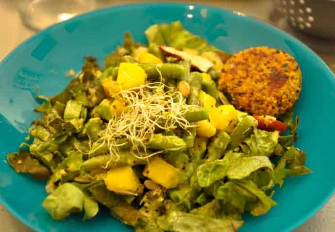 Vegan salad at Greedy Bordeaux