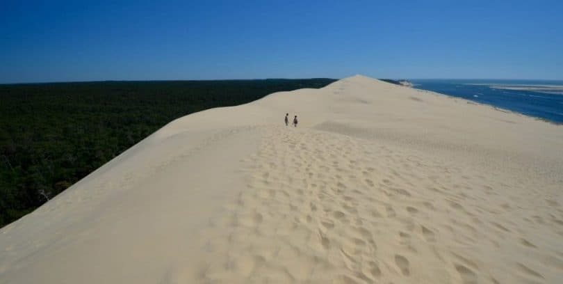 climbing europe 39 s highest sand dune dune du pilat pyla le long weekend. Black Bedroom Furniture Sets. Home Design Ideas