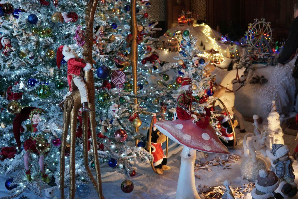 Xmas decorations inside the Chateau de Crazannes