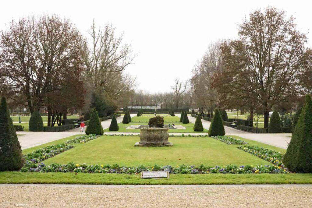 Jardin Public Saintes, France