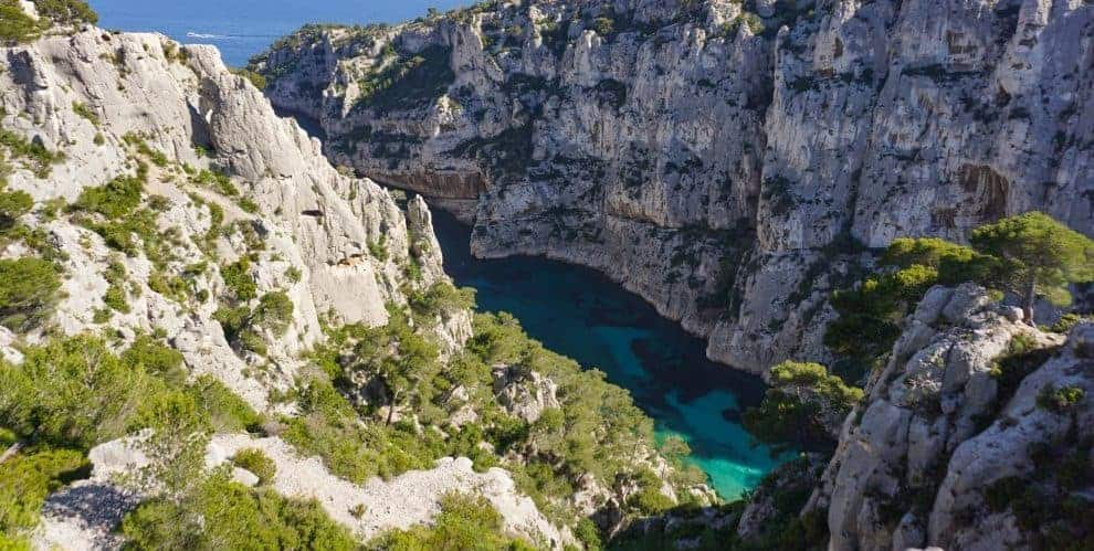 The Calanques de Cassis, a family friendly hike in Provence, France