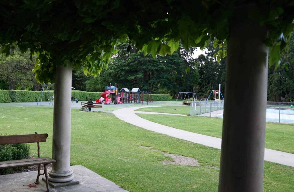 The Christchurch Botanic Gardens are a fantastic thing to do with kids in Christchurch
