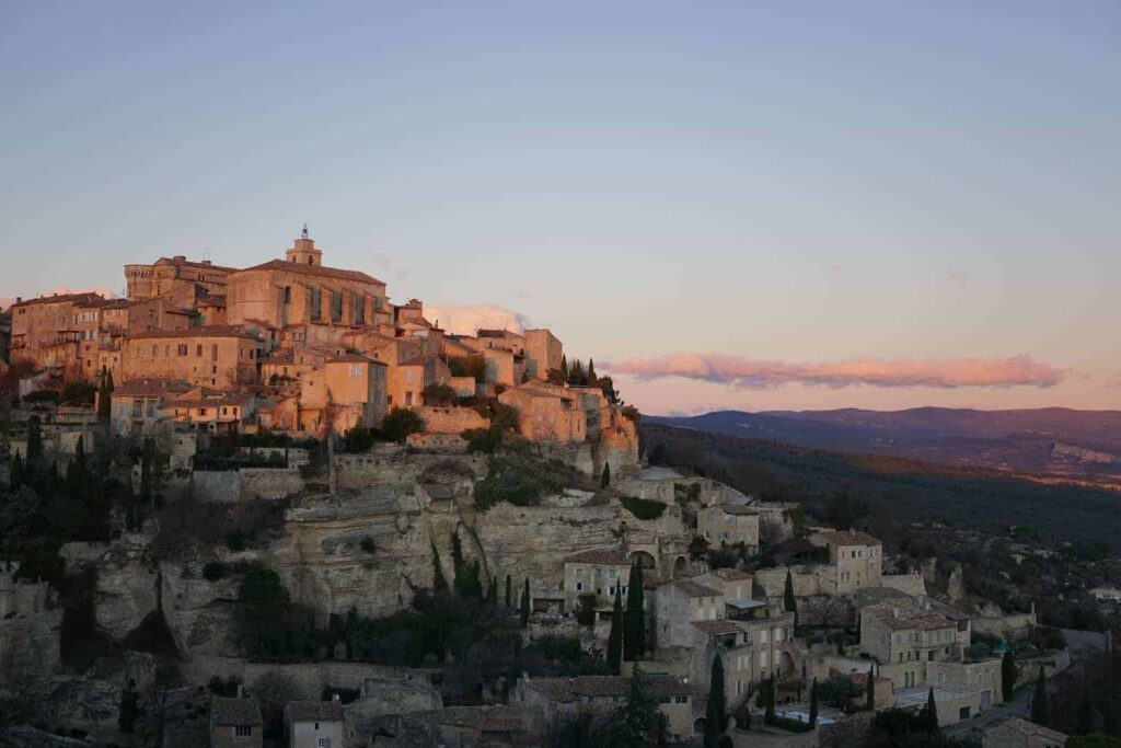 Gordes. Le Long Weekend - 2017 in Review