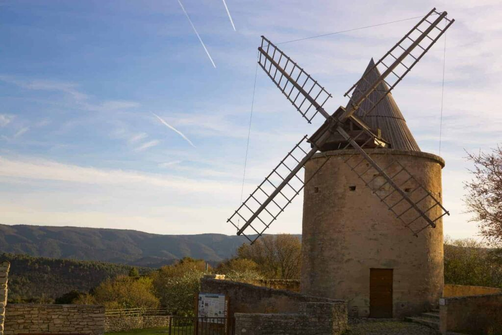Villages of the Luberon day tour from Aix en Provence.