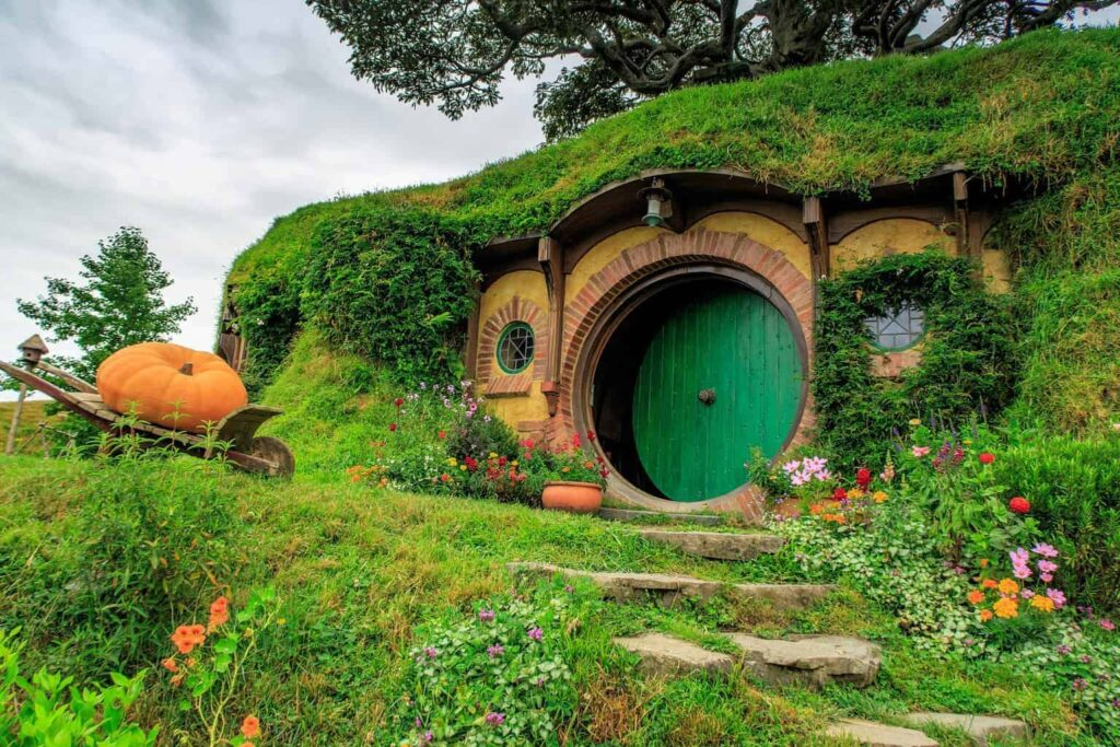 Visit Hobbiton in New Zealand for an unforgettable experience!