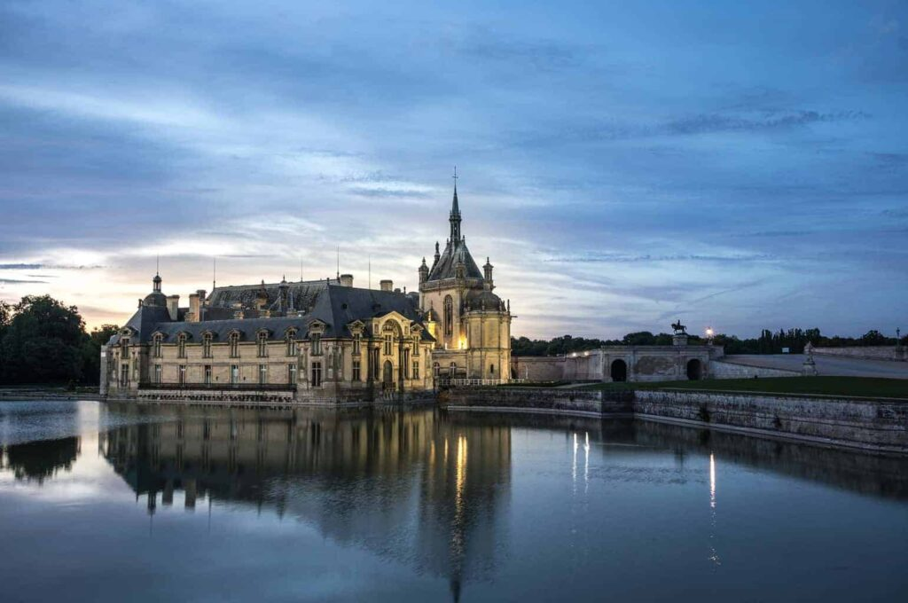 20 best castles in france to visit france 39 s most for Chateaux in france to stay